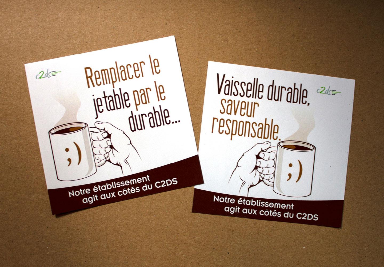 Monsieur l'Œil complète sa collection de stickers…